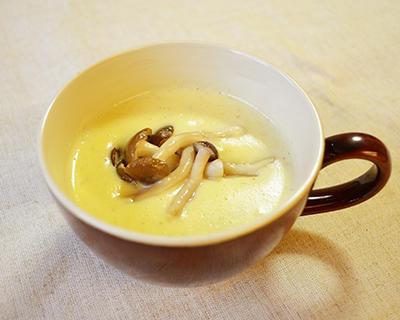 カットぶなしめじとジャガイモのミルクスープ